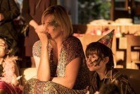 (l to r.) Charlize Theron as Marlo and Asher Miles Fallica as Jonah star in Jason Reitman's TULLY, a Focus Features release.